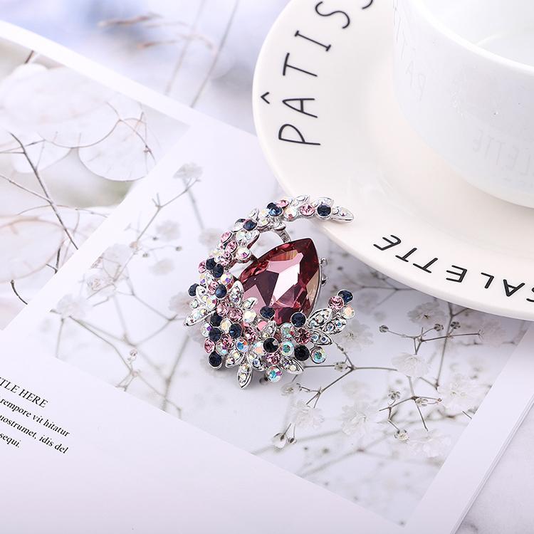 奥地利水晶胸针--花缀月亮(白金+古典粉红)