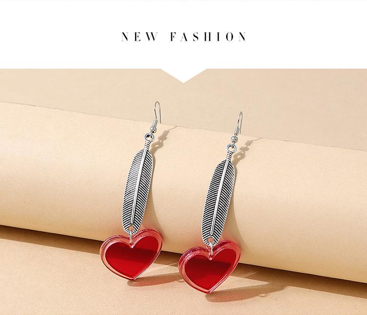 韩版创意流行个性羽毛树脂桃心耳环