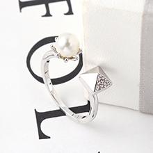 AAA级锆石戒指--爱的方钻(白金)