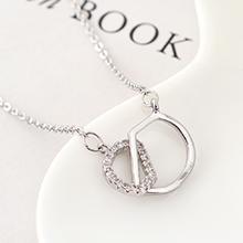 AAA级锆石项链--爱的字母(白金)