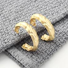 欧美时尚冷淡风百搭镀真金半圆镂空S925银针