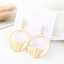 欧美复古个性时尚镀真金冷淡风百搭半圆珍珠镂空S925银针