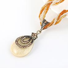 韩版民族风复古时尚个性树脂项链(浅黄)