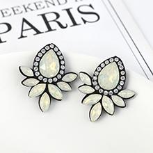 韩版复古时尚创意简约小清新花朵耳环(白色)