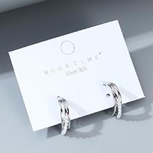欧美镀真金大气时尚气质大牌小众复古珍珠S925银针(白金)