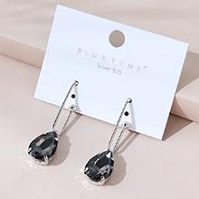 欧美法式流行气质大牌百搭ins潮水晶玻璃S925银针(白金+黑色)