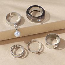 韩版复古时尚百搭气质大牌树脂珍珠戒指套装(黑色)